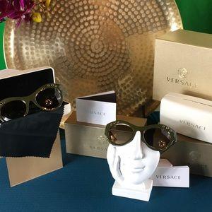 65987232fa40 Versace Accessories - 100% Authentic Versace Rock Icons Sunglasses